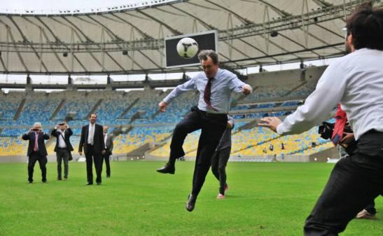 MHP jugant futbol