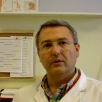 Paco Camarelles en el Centro de Salud Infanta Mercedes, de Madrid.